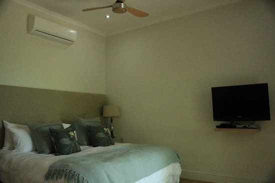Angala Boutique Hotel and Guest House: Inside room