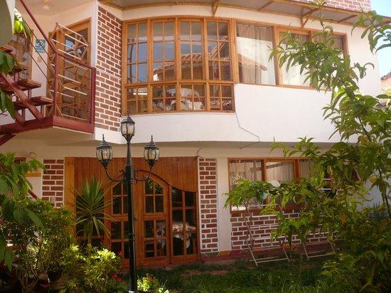 Villa Betty: Vista desde el jardín de entrada