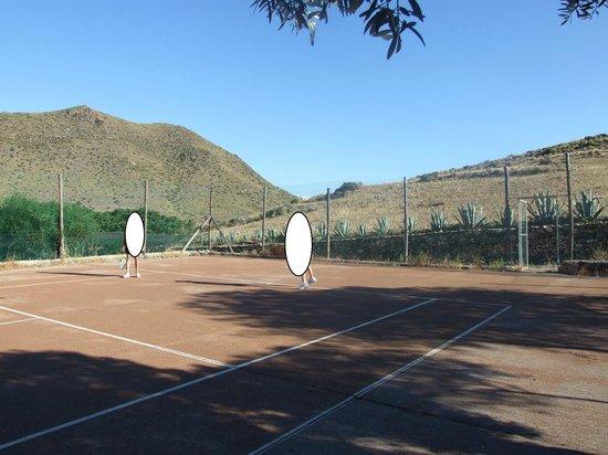 Cortijo el Sotillo: pista tenis