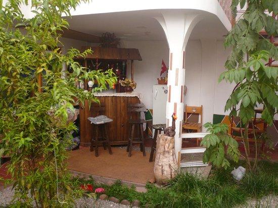 Villa Betty: Area del jardín para leer y relajarse