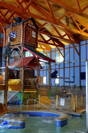 Grizzly Jack's Grand Bear Resort: play area for kids in waterpark