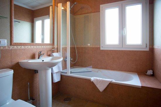 Hotel Nuro: Cuarto de baño