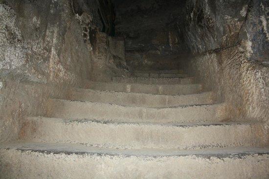Daulatabad Fort: Dark passages inside the fort