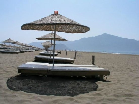 Ortaca, Turquia: Sun beds for hire