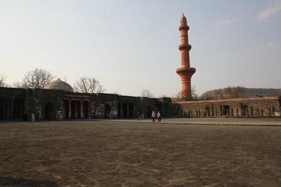 Daulatabad Fort: Minar