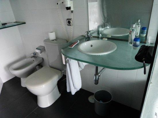 Avenida Hotel: banheiro