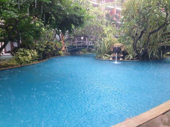 Padma Resort Legian: Beautiful lagoon pool