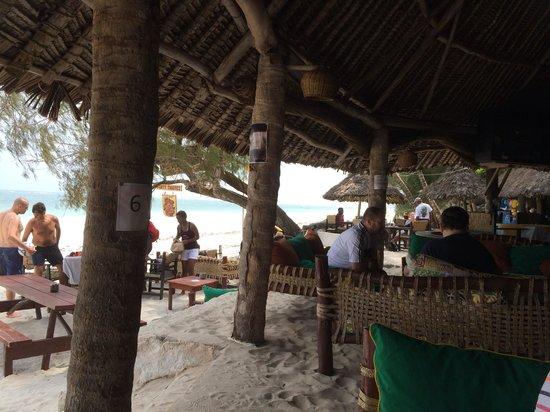 Forty Thieves Beach Bar & Bistro: Bar & beach!!