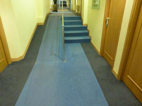 Avenida Hotel: rampas e escadas de acesso acessibilidade para cadeirantes