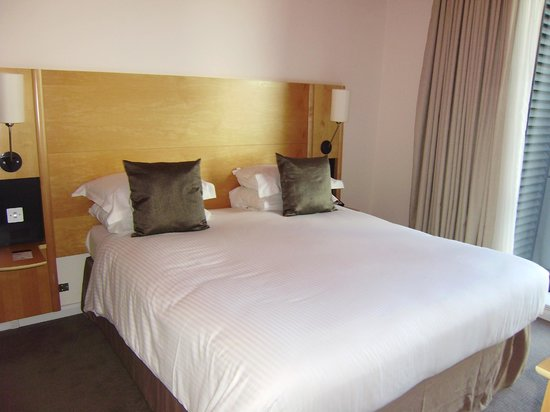 Doubletree by Hilton London - Westminster : large bed