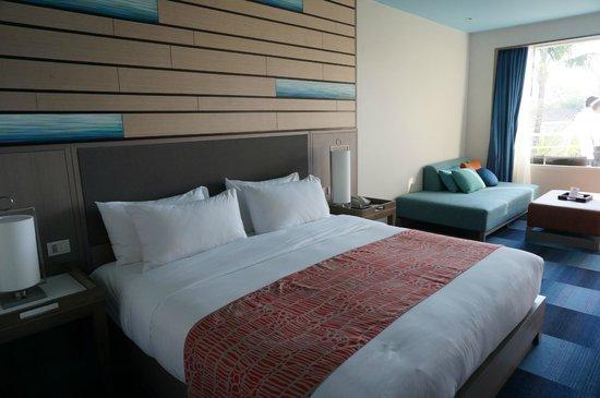 Holiday Inn Resort Phuket: Rm339 king bed