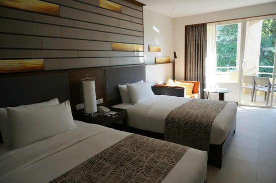 Holiday Inn Resort Phuket: room