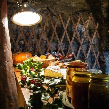 B&B da Giacomone: Il banco delle torte e delle marmellate dopo il nostro passaggio
