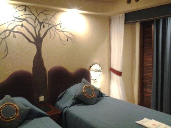 Amboseli Serena Safari Lodge: family suite