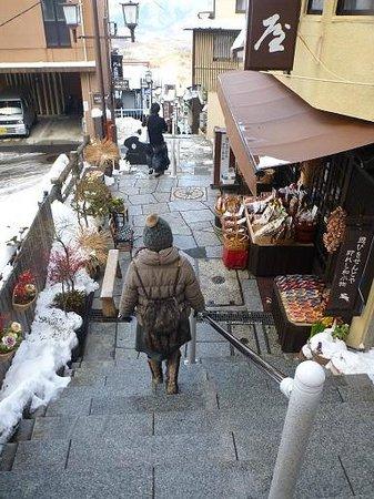 Ikaho Stone Step Street: 目の前には山々が連なる絶景が望めます