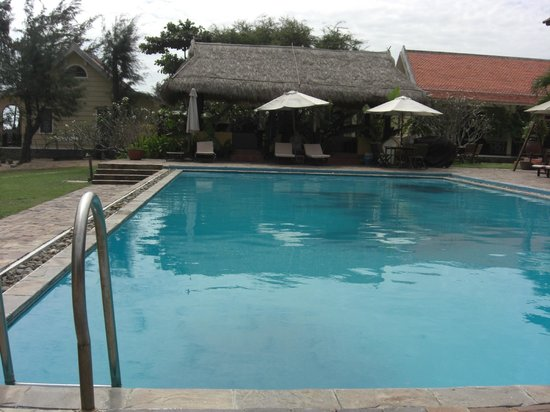 Orchid Beach Resort: POOL