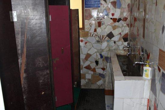 Alobar1000 Hostel: salle de bain