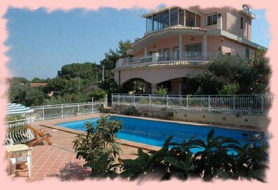 Villa Smeralda: Veduta panoramica dalla struttura