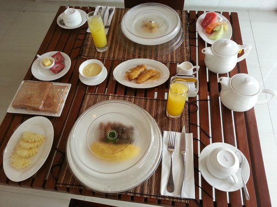 The Wolas Villas & Spa : Morning Breakfast delivered to the room