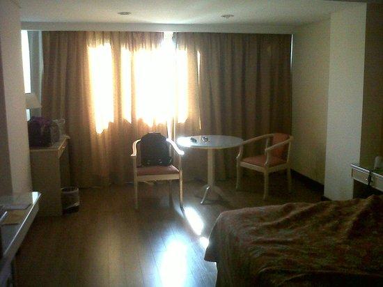 Casa Real Hotel: Habitacion