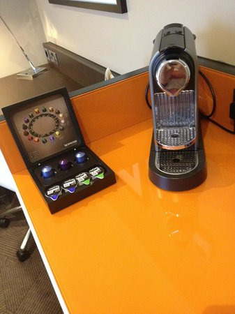 DoubleTree by Hilton London Ealing : Coffee machine