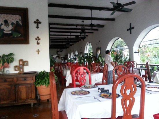 Casa Mission: Restaurant view
