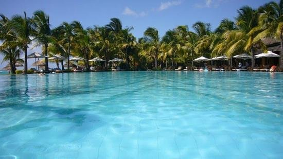 The Best Hotel Swimming Pool In The World Picture Of Paradis Beachcomber Golf Resort Spa Le