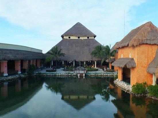 Grand Palladium Colonial Resort & Spa : riveria lobby