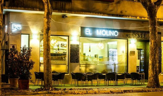 Restaurante El Molino del Conde: Entrada/fachada del restaurante