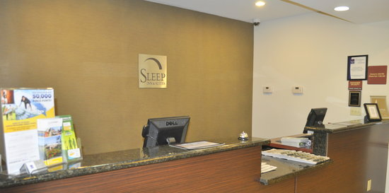 Sleep Inn & Suites Palatka: Check in area