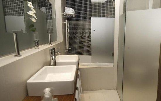 Wilson Boutique Hotel: ванная