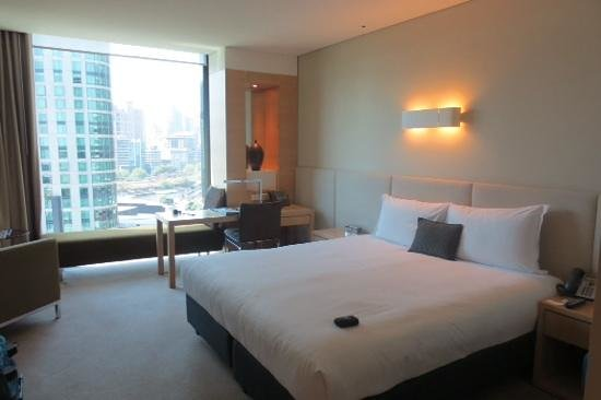 Crown Promenade Melbourne: Hotel room on 15th floor