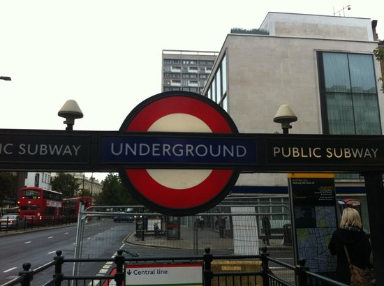 Notting Hill Gate Hotel: la fermata della metro dietro l'angolo