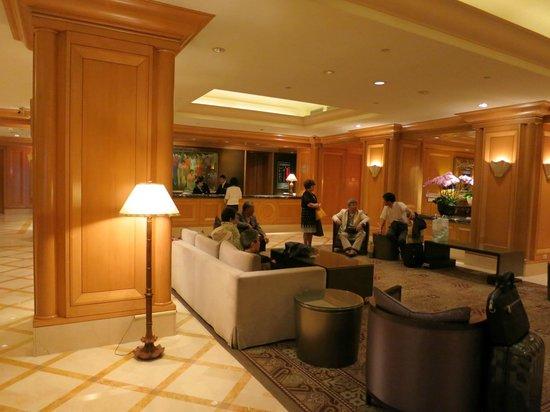 Ambassador Hotel Taipei : ロビー