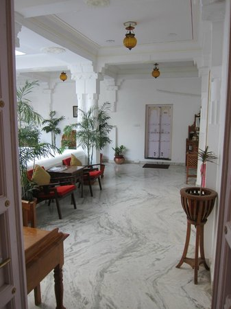 Jagat Niwas Palace Hotel : outside our room