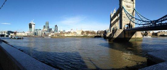 Adria Hotel: Tower Bridge