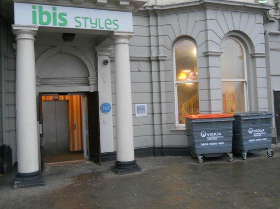 Ibis Styles Blackpool: les poubelles pour vous accueillir