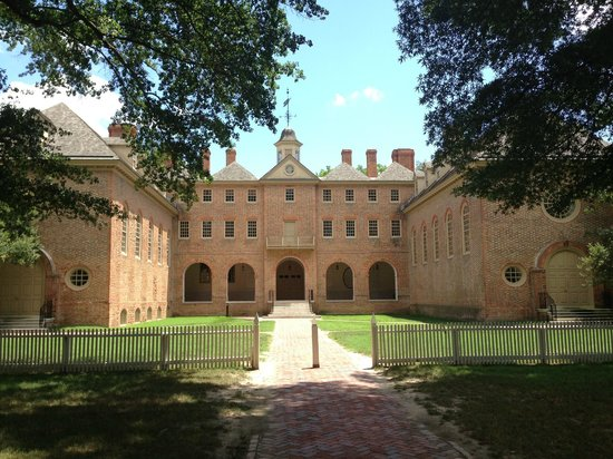 The College of William and Mary : William and Mary College