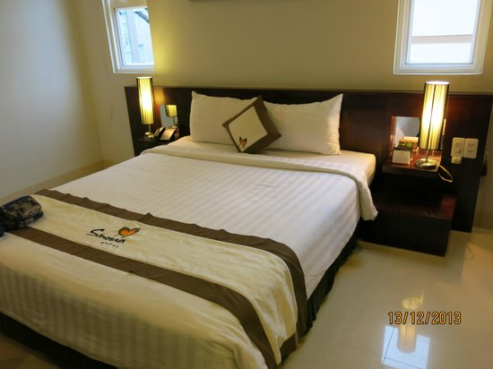 Sanouva Saigon Hotel: A comfortable king size bed