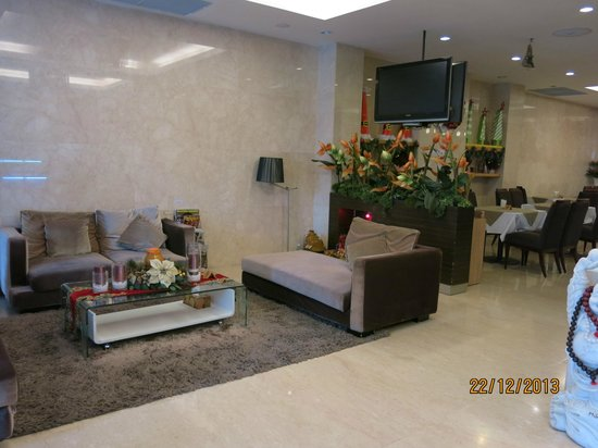Sanouva Saigon Hotel: Reception area
