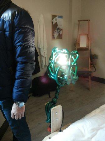 Qbic Hotel London City : lamp