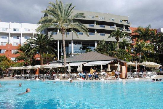 Roca Nivaria GH - Adrian Hoteles: hotel vu de la piscine