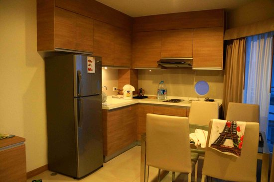 Viva Garden Serviced Residence : кухня  Two Bedroom Executives