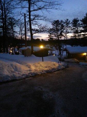 Woodloch Pines Resort : winter wonderland stroll at night