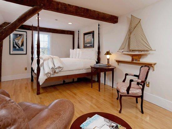 Kennebec Inn: America's Cup Bedroom