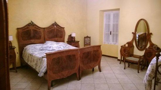 B&B Casa Mortarino: Camera da letto
