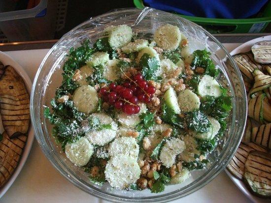 Dalmine, Itália: insalata vegan