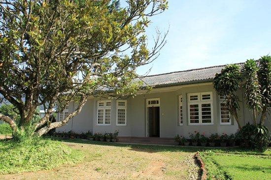 McLarens Lodge: вид снаружи
