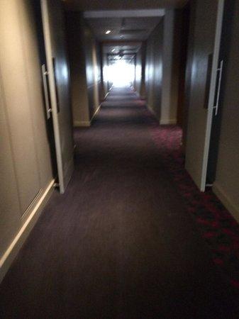 Park Inn Sandton: Poor Lighting on coridoors