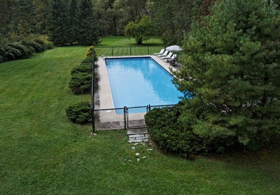Kennebec Inn: Our Wonderful In-Ground Pool